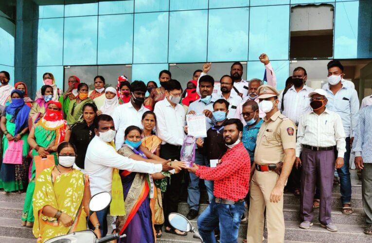 बहुजन मुक्ती पार्टीचे वीज बिल व सक्तीने वसुली विरोधात दौंड येथे सरकारला कंदील भेट आंदोलन